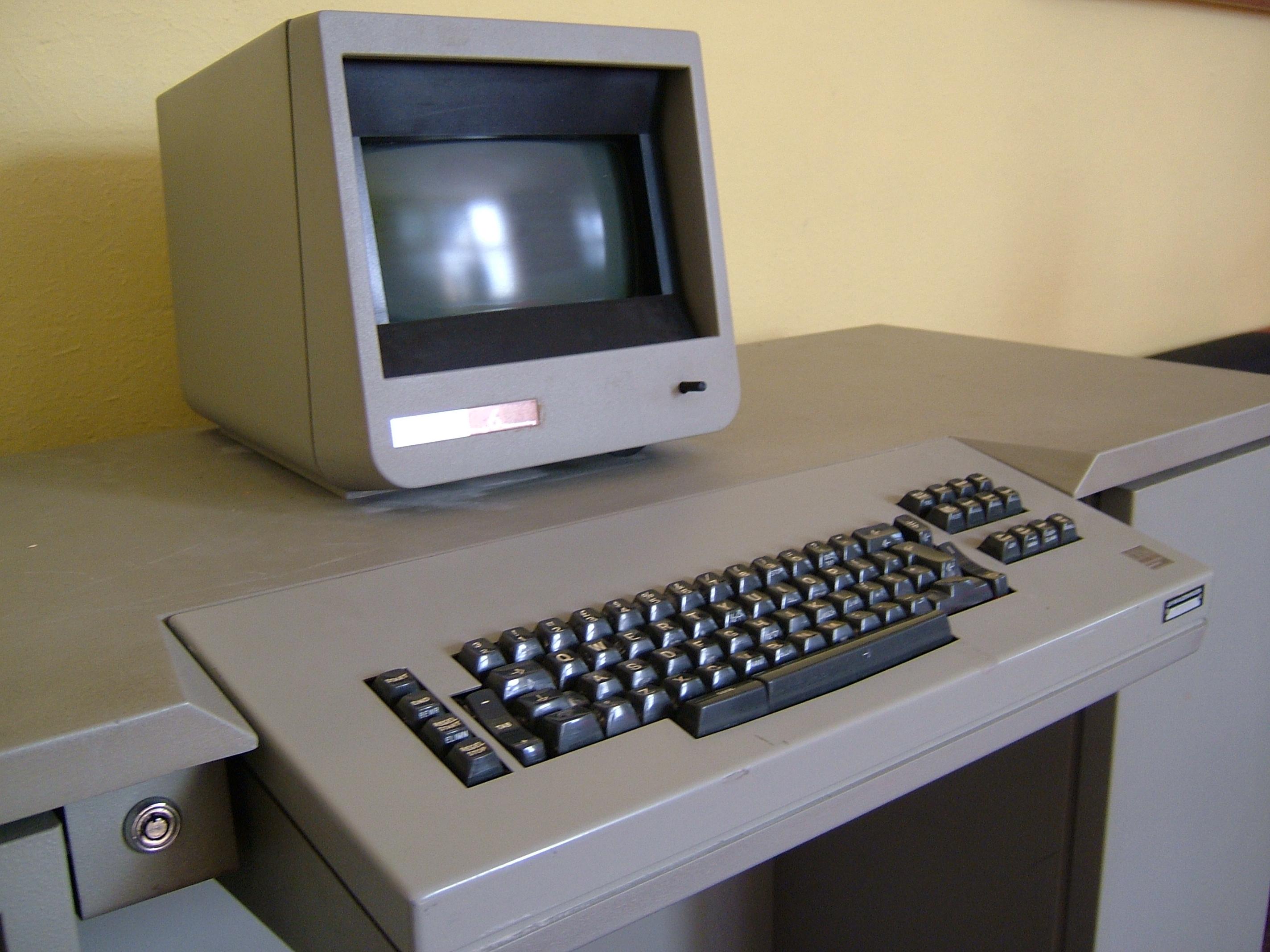 bedieningspaneel met scherm en slotje